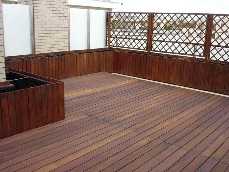 Фото террасы из тропической древесины